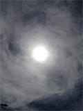 7月20日雲が多かったのですが、 やっぱり輪が出来ています