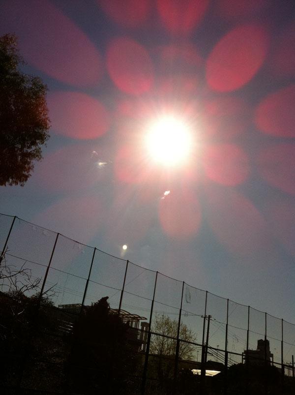 2011年4月4日 白いものは雲ではないんですが、 良く解りません
