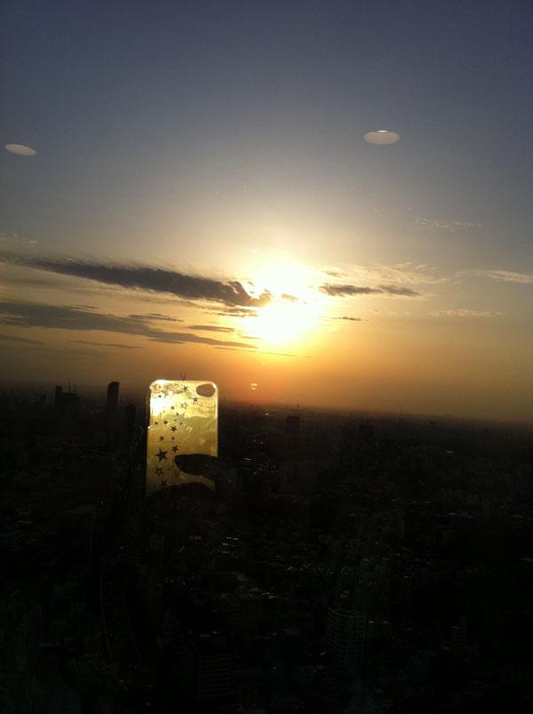 2011年4月7日 東京、六本木のビルからです。 15時過ぎかな?