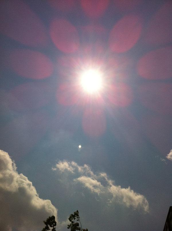 2011年4月25日 この日も太陽は 綺麗に輝いていました