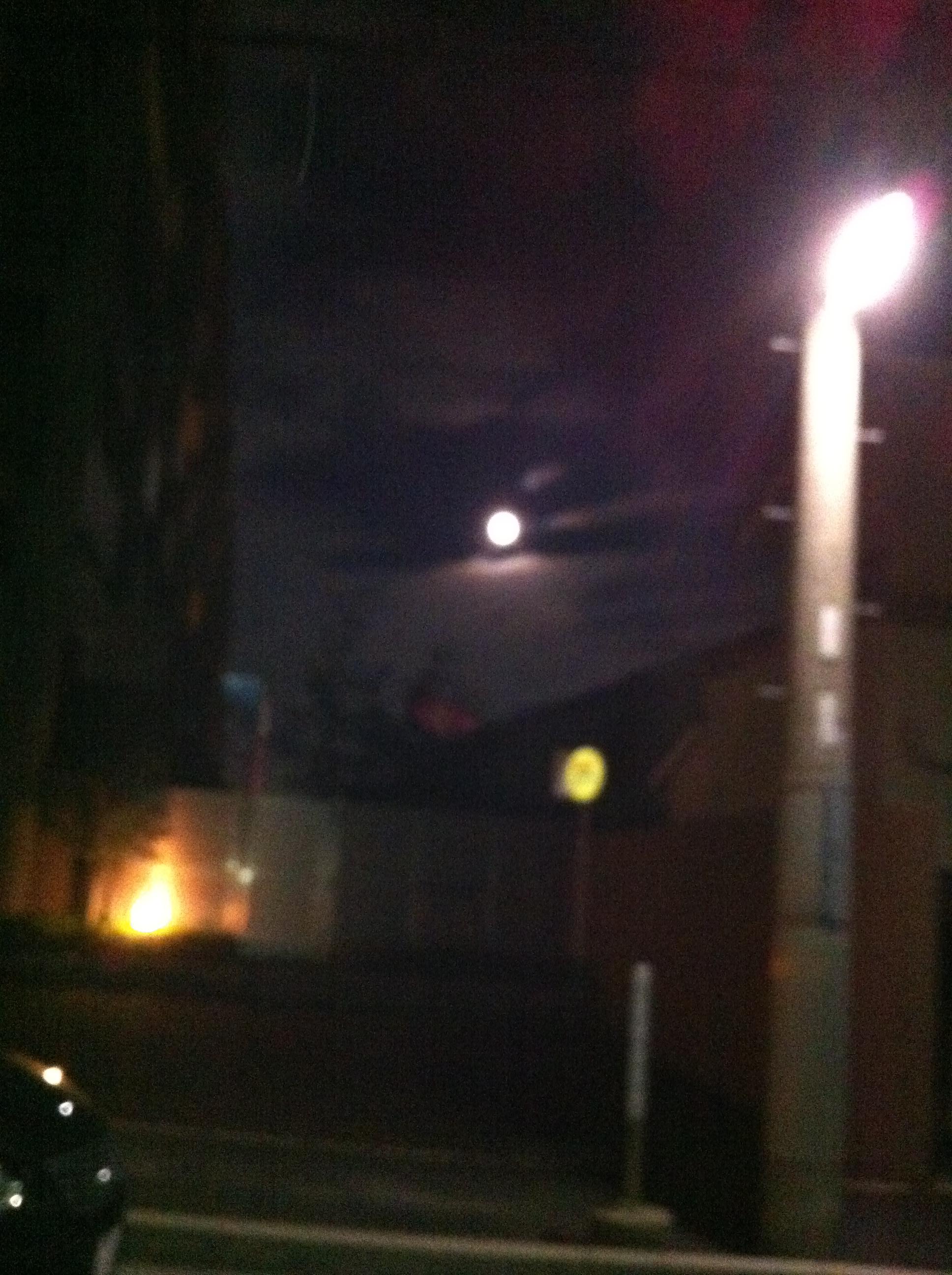 2011年11月11日 大きな満月のはずが…
