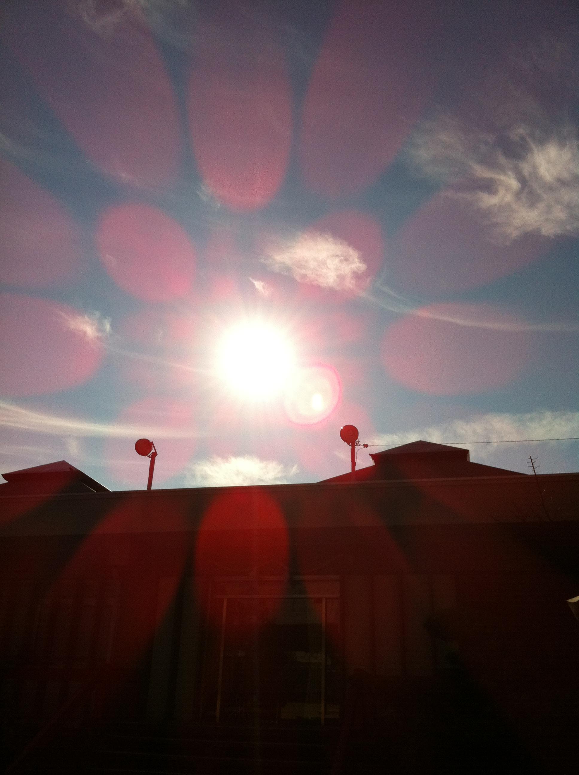 2012年1月6日 気持ちのいい日です 近くの神社に初詣に行きました